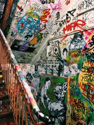 graffiti_stairs